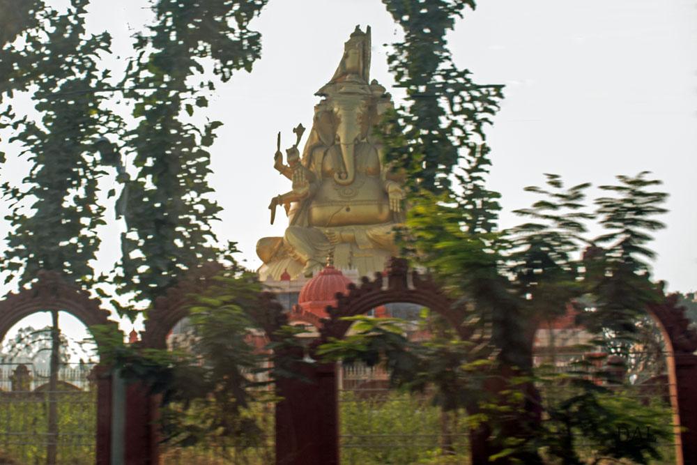 2015_01_India_08_road to Mysore_003