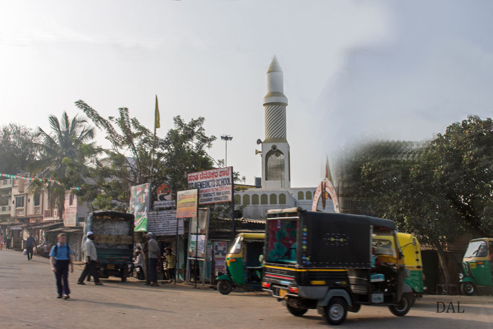 2015_01_India_08_road to Mysore_004