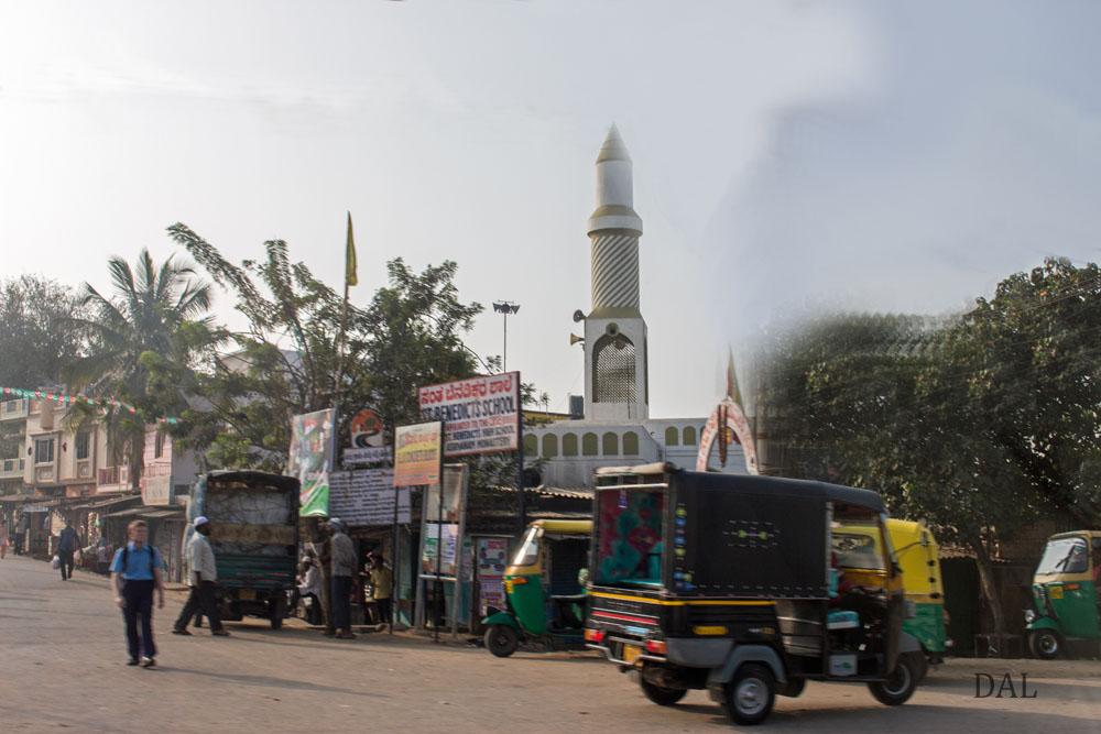2015_01_India_08_road to Mysore_004