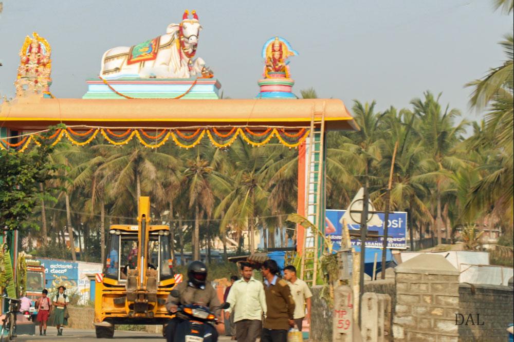 2015_01_India_08_road to Mysore_010