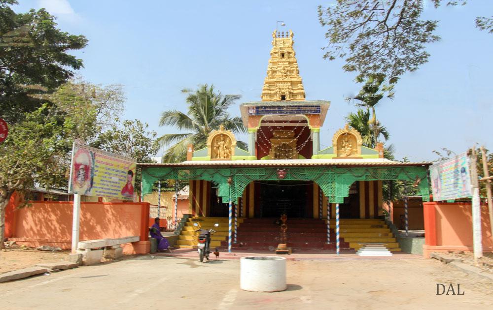 2015_01_India_08_road to Mysore_011