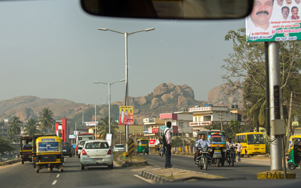 2015_01_India_08_road to Mysore_016