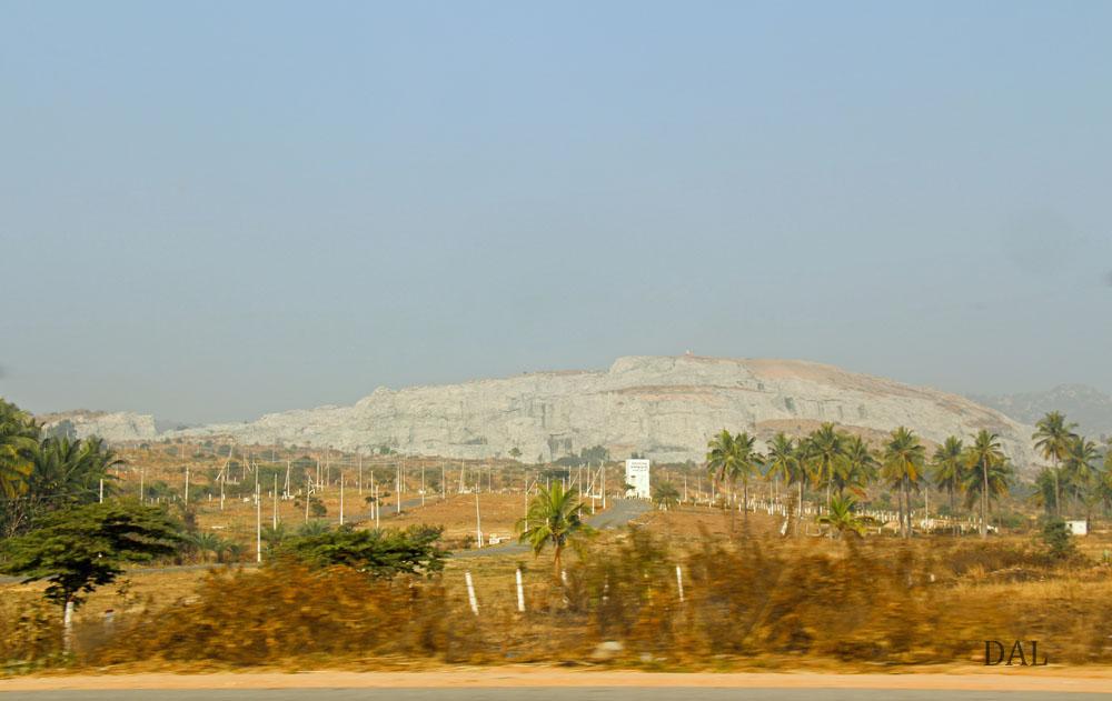 2015_01_India_08_road to Mysore_017