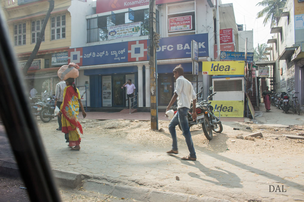 2015_01_India_08_road to Mysore_023