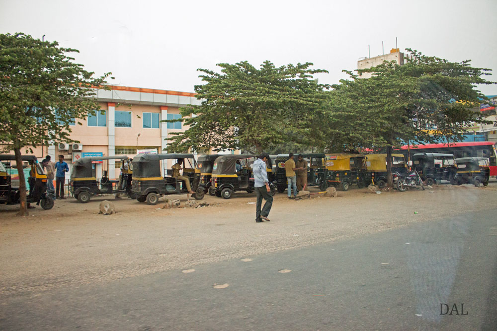 2015_01_India_08_road to Mysore_045