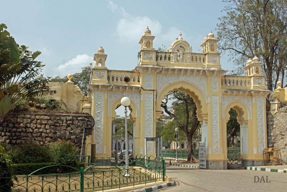 2015_01_India_09_Mysore_palace_040