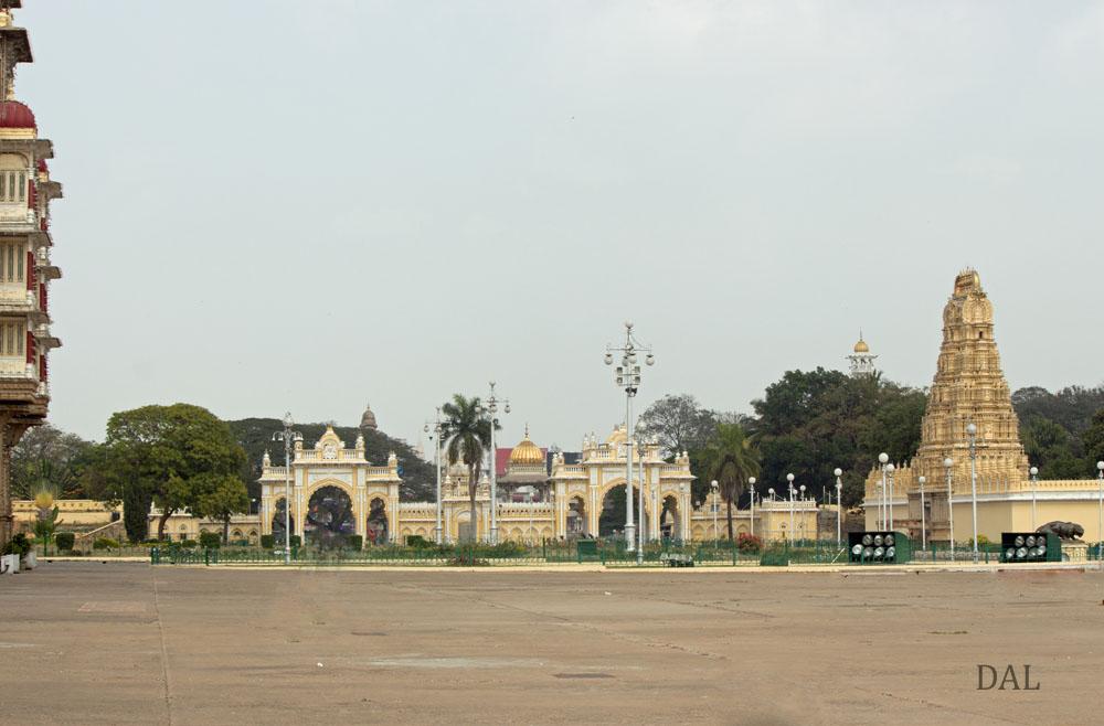 2015_01_India_09_Mysore_palace_055