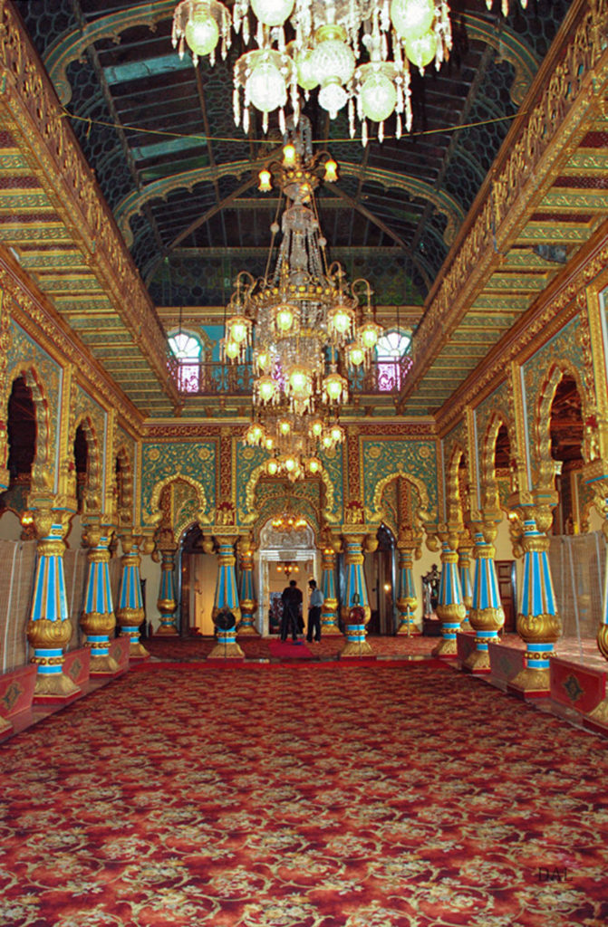 2015_01_India_09_Mysore_palace_int_001